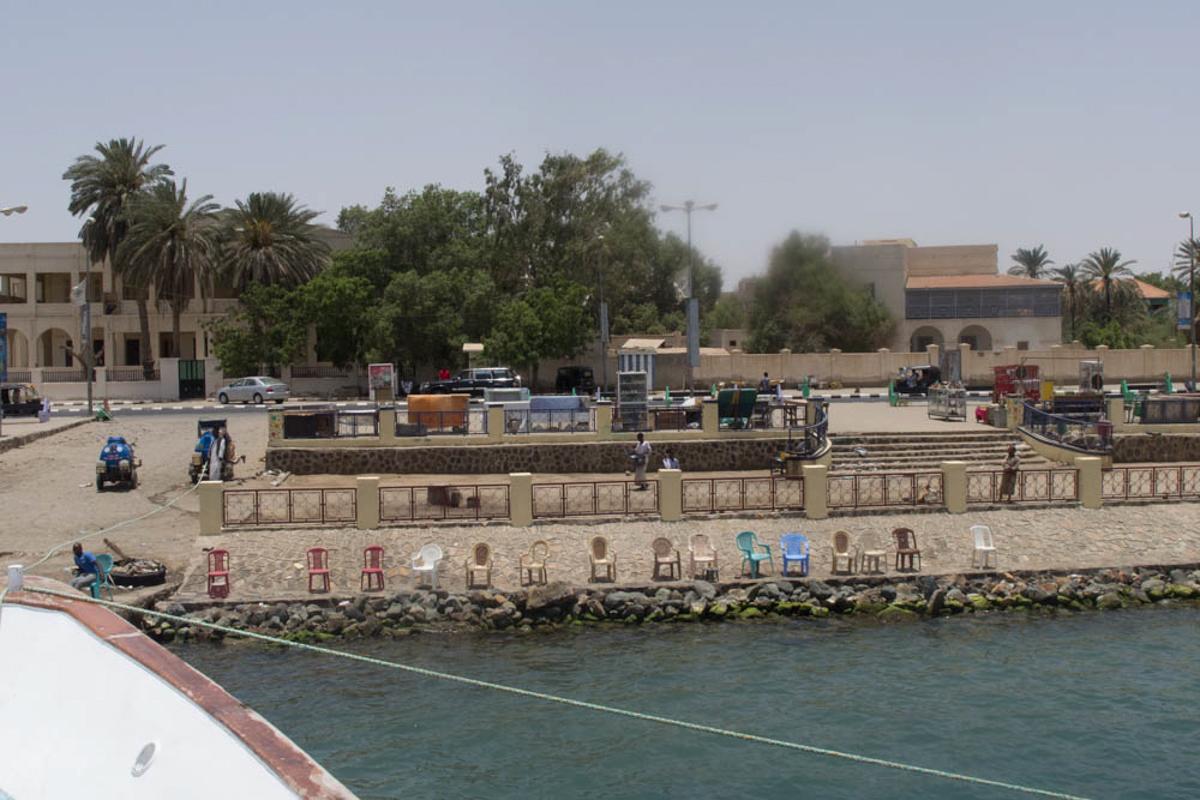 Port Sudan. Leider durften wir nicht an Land.