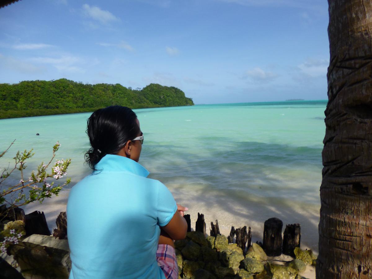 Palau_BlueCorner_BlueChannel_Sharks-19