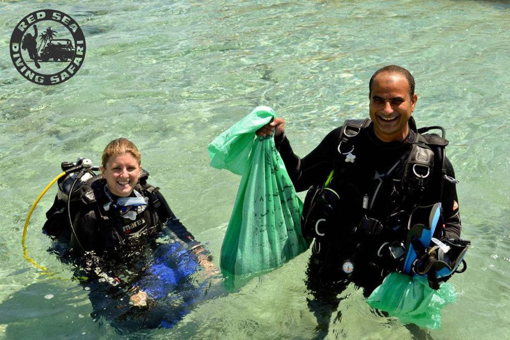 Tauchen und arbeiten in Marsa Alam, Ägypten.